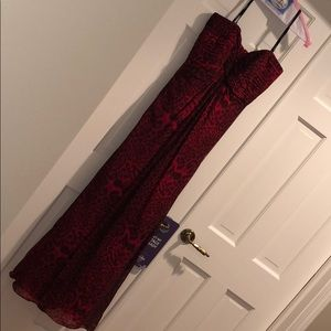 NWT Tadashi Shoji Size 8 Red Leopard Long Gown